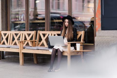 WIFI en los espacios públicos como un bien básico