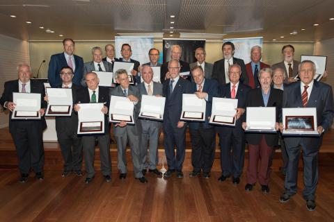 """Celebración de San Gabriel - Entrega de placas a los colegiados y/o asociados por sus """"50 años de profesión"""